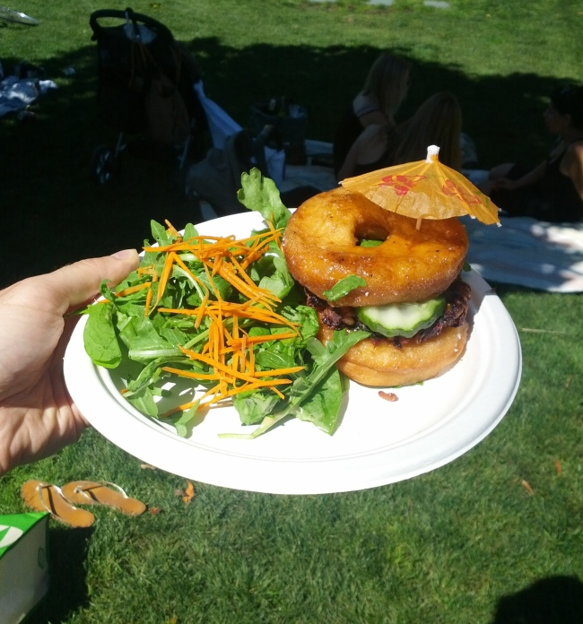 [Donut burger photo]
